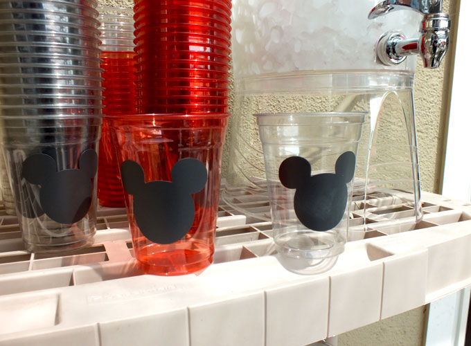 Easy, DIY minnie and mickey mouse party decoration ideas