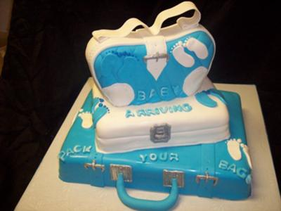 03ef94dfaf31 Cute Diaper Bag Cakes that you can make yourself! Easy DIY instructions!