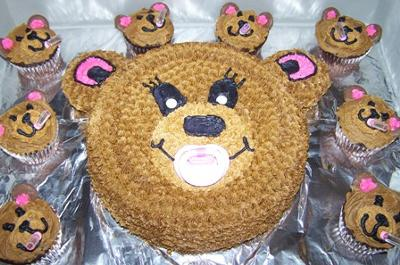 bear cake and cupcakes