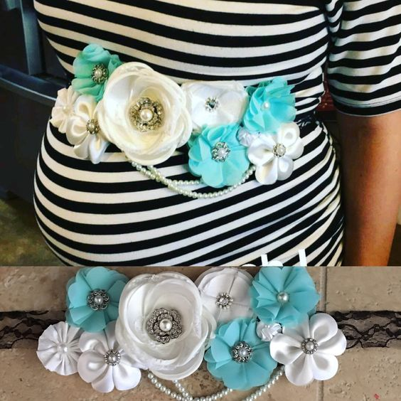 image of a baby shower corsage for the belly