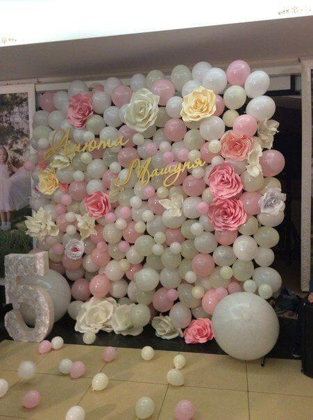 balloon wall baby shower decor
