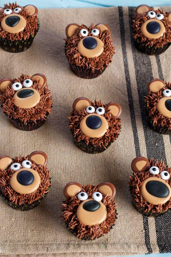 image of bear baby shower cupcakes
