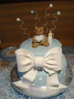 Cute, DIY teddy bear baby shower cakes