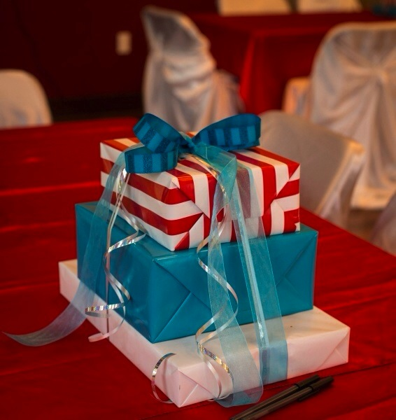 dr seuss baby shower packaging picture