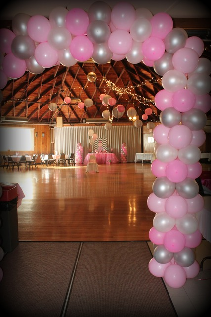 Picture pink elephant baby shower balloons