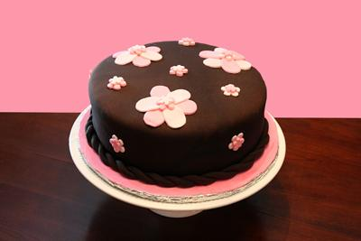 picture of chocolate flower cake