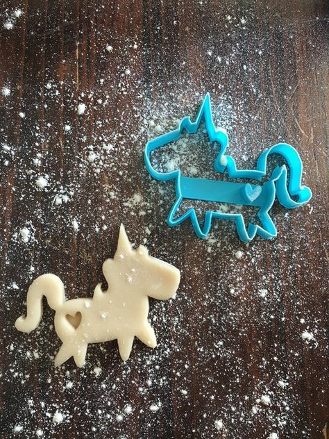 picture of a unicorn cookie cutter