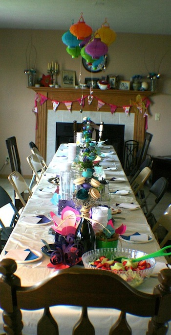 picture of alice in wonderland tablescape