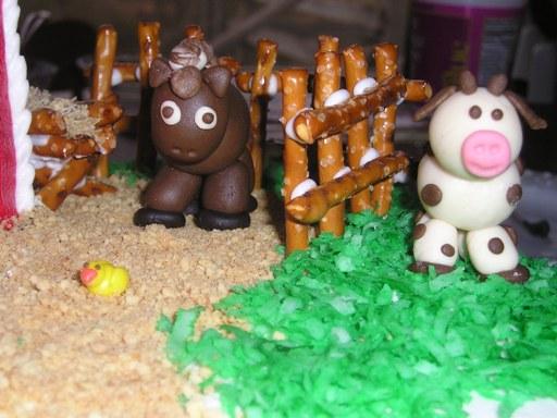 picture of cute fondant farm animals