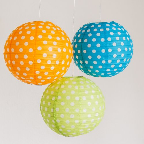 picture of polka dot lanterns