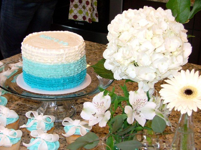 Image of Tiffany's Baby Shower Cake and Cupcakes