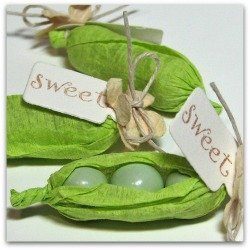 pea in a pod favors