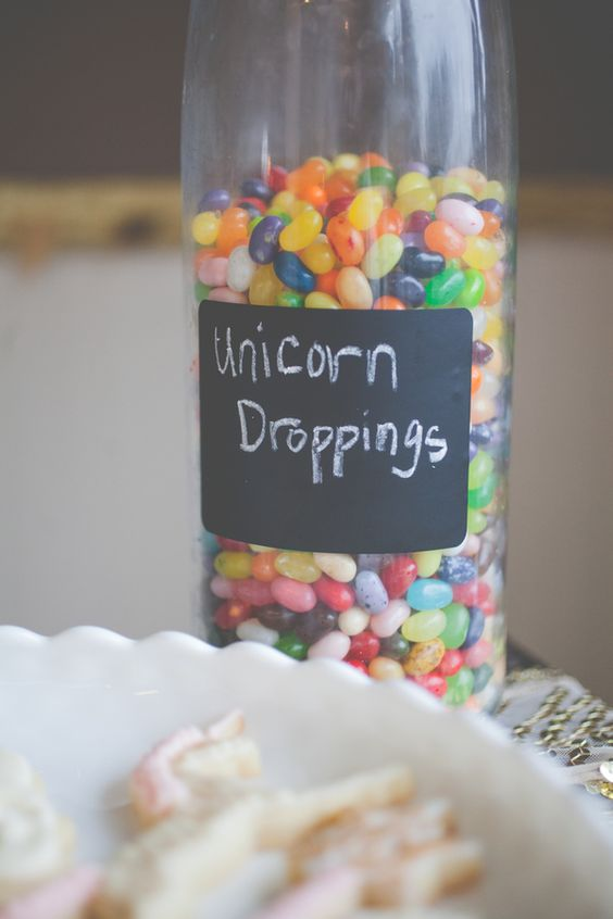image of unicorn party favors